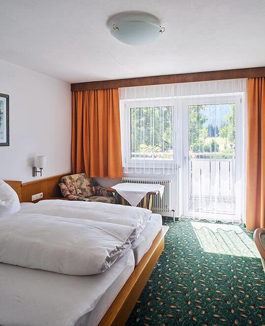 Zimmer_Hotel-Zugspitze_feature_539x663px